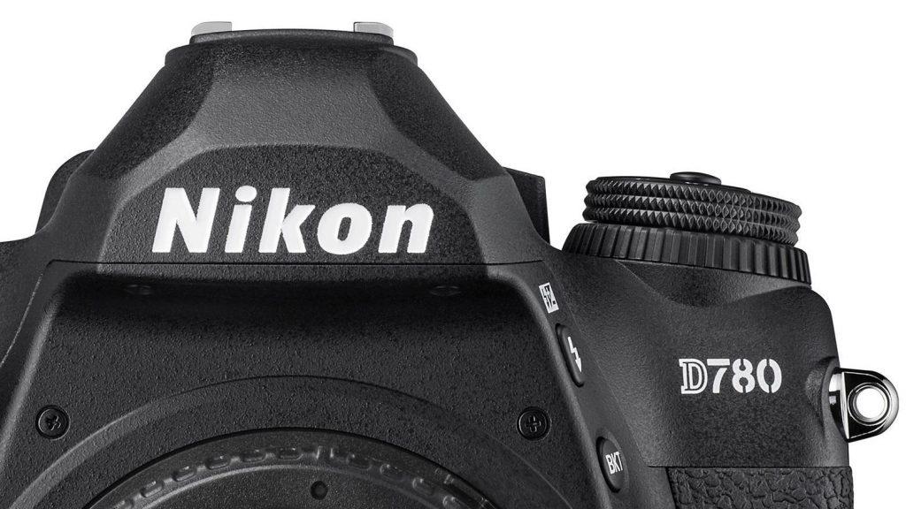 Nikon D780. Vista frente